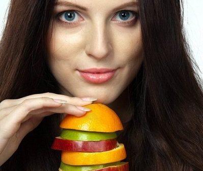 Догляд і дієта для жирного волосся
