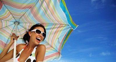 Як захистити своє волосся влітку