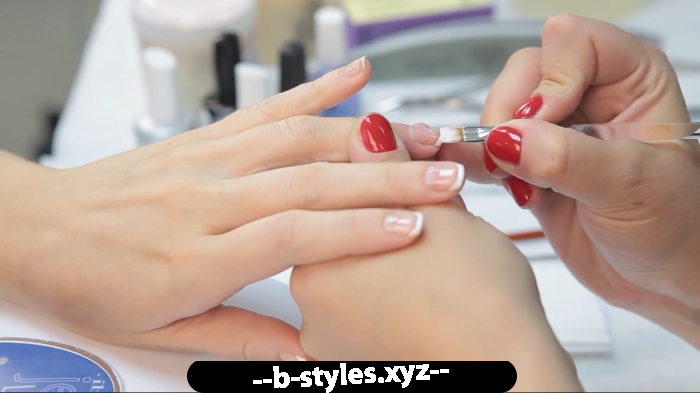 Пензлики для нігтів: види та рекомендації щодо вибору